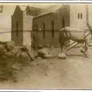 Nous apercevons l'église St-Janvier en construction en 1924.