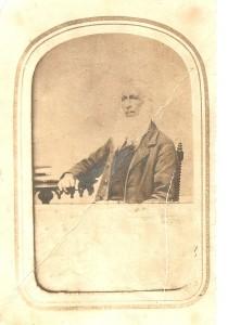 À tout seigneur tout honneur. Germain Biron, fondateur de notre patelin portait la barbe. Il a donné l'exemple à plusieurs autres concitoyens de son canton.