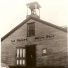 Voici La Maison notre Père, première église de la paroisse de St-Raymond de Fontainebleau. Elle a été détruite par incendie en 1959.