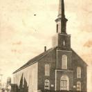 C'est avec une grande fierté que l'église St-Janvier ouvre ses portes en 1914 à ses nombreux paroissiens sur les terrains acquis de Pierre Fortin et situés dans ce qui est appelé Weedon Station.