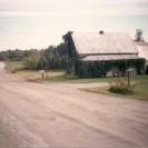 Cette maison était située dans le rang St-Édouard. Elle était la propriété de la famille Willie Cloutier. Photographiée en 1991, aujourd'hui elle est disparue.