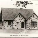 Cette maison située sur la rue St-Janvier a été construite par monsieur John Libérali, un industriel bien connu de Weedon.