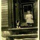 Sur une ferme, on ne pouvait se passer d'un chien. Alors qu'il était tout jeune, Firmin Gagné avait le sien qui le suivait partout où le jeune se rendait.