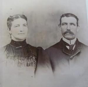 Le couple Magloire Magnan et Herménise Fortin. Magloire est né à St-Jude et Herménise, fille de Étienne Fortin et Adéline Lussier, à Weedon. Ce couple s'est marié le 4 mars 1878 à Weedon. Ilis ont cultivé la terre sur le territoire qui est devenu Lac Weedon. Onze enfants sont nés de ce mariage. Le cadet Adélard est décédé en 1916 lors de la première guerre mondiale.